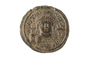 JVSTINIANVS, 527-565 AD AE FOLLIS, CYZICUS MINT
