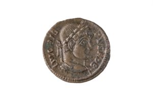 CRISPVS, 317-326 AD AS CEASER, AE 3, SISCIA MINT