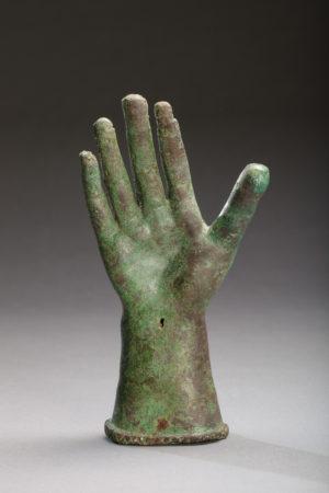 Roman bronze hand