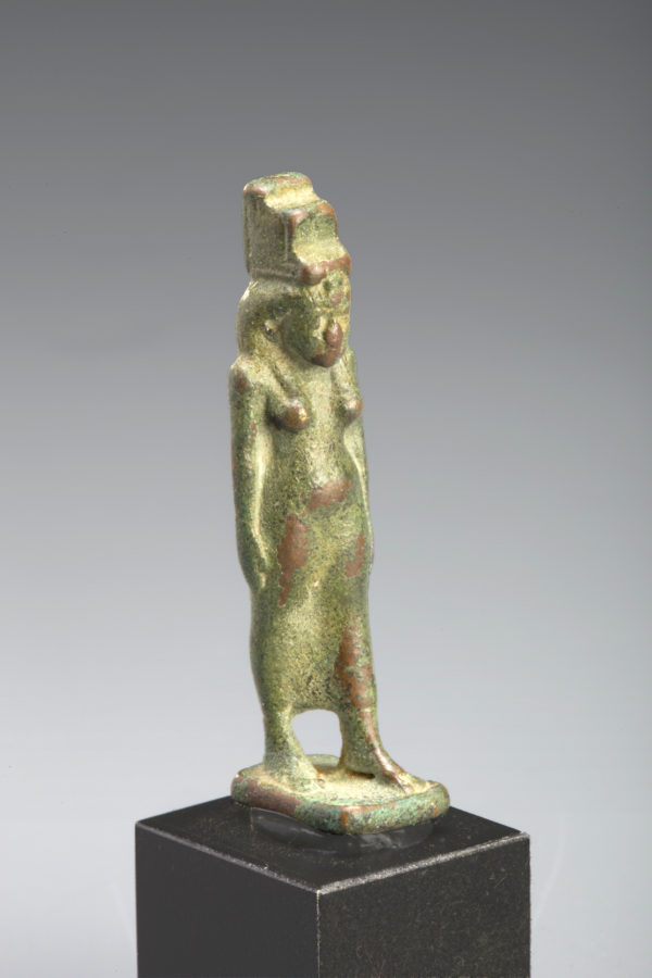 ANCIENT EGYPTIAN BRONZE ISIS AMULET
