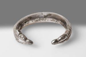SILVER BRACELET WITH RAM'S HEADS