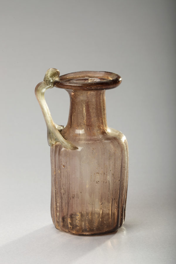 ROMAN PURPLE ONE-HANDLED FLASK