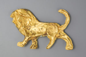GREEK GOLD FIGURE OF A LION REV