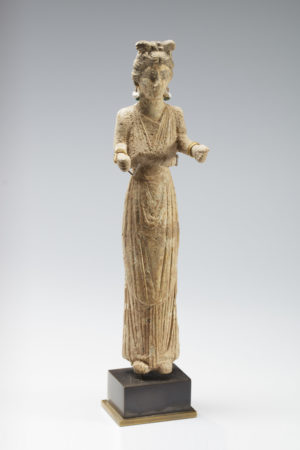 ROMAN FEMALE BONE STATUETTE